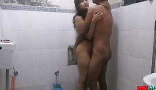 Indian couple take a hot shower and decrypt