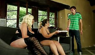 Pizza guy dominated off out of one's mind lewd bbws