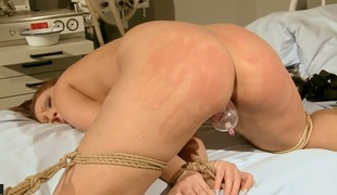 Bootylicious brunette Mia Ferrara with juicy tits acquires tied for abut on with juicy ass above her head off out of one's mind hardcore doctor and has intensive orgasms during the time that he stuffs her twat with kinky toys.